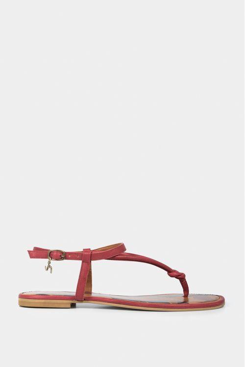 Sandalia plana de cuero tres puntadas