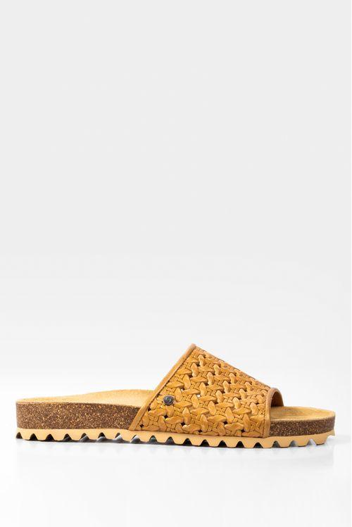 Sandalia plana vistro de cuero para mujer grabado